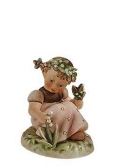 Hummel actueel | Hummel beeldje Maiglockchen / Garden Splendor | Peter's Hummel Home | De grootste collectie beeldjes | Hummel Disney Goebel...