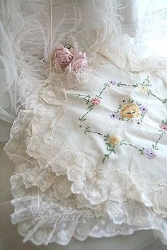 Beautiful hankies and lace. a lady always has a hankie in her purse . you never know when a gorgeous man is around and you will need to drop it! Vintage Shabby Chic, Vintage Lace, Lace Embroidery, Embroidery Designs, Fru Fru, Pearl And Lace, Vintage Handkerchiefs, Linens And Lace, Lace Ribbon