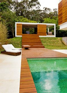 piscine en bois rectangulaire, design fantastique