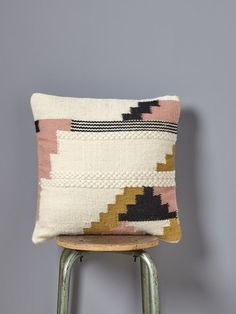 We simply adore the warm, stylish colours of this ethnic woollen cushion and its decorative weave.: 45 x 45 cm. Cute Cushions, Crochet Cushions, Hand Embroidery Projects, Modern Carpet, Punch Needle, Home Decor Bedroom, Decorative Throw Pillows, Diy Pillows, Rugs