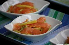 Verrines avocat citron saumon fumé Watermelon, Carrots, Avocado, Curry, Food Porn, Fruit, Vegetables, Ethnic Recipes, Desserts