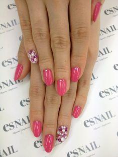 Pink bling Nail
