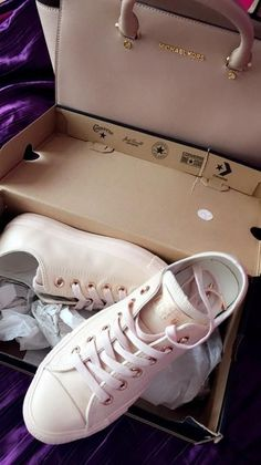 converse exclusive | holiday nude collection  @caterinaxo