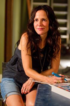 "Mary Louise Parker. 'Nancy Botwin' on ""Weeds"".  <3"