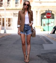 look-denim-jeans-blazer-lace-up-street-style
