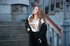 #streetstyle #fashionblog #fashion #ootd #outfit #blackfur #fauxfur #furjacket #brunette #gold #details #emmyslife
