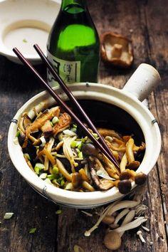 Dorian cuisine.com Mais pourquoi est-ce que je vous raconte ça... : Petit voyage au pays des champignons japonais ! Et sauté de champignons japonais vite fait bien fait !