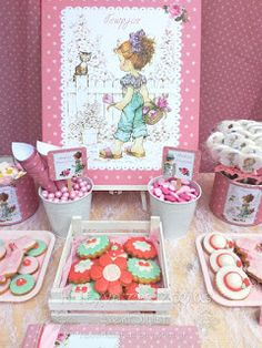 Sarah Kay, Watercolor Illustration, Watercolor Art, Party Themes, Themed Parties, First Birthdays, Decorative Boxes, Diy, Gift Wrapping