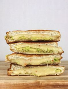 Who says a sandwich has to be packed with cold cuts? Skip the meat (as well as the fat and sodium) and give one of these vegetarian sandwiches a try. Avacado Grilled Cheese, Best Grilled Cheese, Grilled Cheese Recipes, Grilled Cheeses, Tostadas, Tacos, Sandwiches For Lunch, Wrap Sandwiches, Delicious Sandwiches