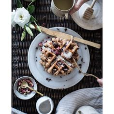 Believe me when I say you want these waffles to be a part of your weekend: Vegan Rose + Chocolate Chip Spelt Waffles. Crispy on the outside, soft on the inside. As good for you as they are delicious. What's not to love? Link in profile. #theartofslowliving #waffles #breakfastinbed #vegan