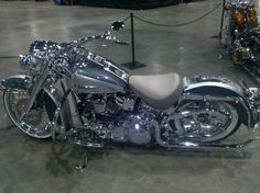 Harley Davidson Softail Deluxe-All Chrome…wowsers! Harley Davidson Softail Deluxe-All Chrome…wowsers! Motos Harley Davidson, Harley Davidson Custom, Classic Harley Davidson, Harley Softail, Harley Bagger, Harley Bikes, Street Bob, Custom Harleys, Custom Bikes