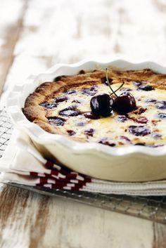 Kirsikkapiirakka Camembert Cheese, Tart, Picnic, Treats, Baking, Desserts, Koti, Summer Ideas, Foods