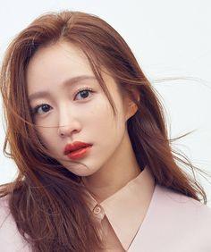 hanisource - Posts tagged p:photoshoot Kpop Girl Groups, Kpop Girls, Ahn Hani, Korean Makeup Look, Really Pretty Girl, Powerful Women, Beautiful Actresses, Korean Singer, Makeup Looks