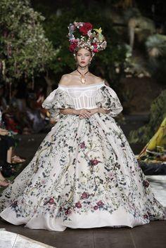 Robe en organza double imprimée d'un motif floral et végétal, collection Dolce & Gabbana Alta Moda automne-hiver 2015-2016