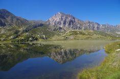 I tre laghi secondari da visitare almeno una volta nella vita Trekking, Half Dome, Tibet, Where To Go, Tours, Places, Travel, Ponti, Tourism