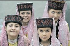 Muslim Turkic Tadjik people in Kashgar, Xinjiang Province, China #tajik #tajikistan