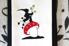"""Stickdatei  """" Pilz-Glück"""" von  """"FeinKram""""  hier gibt es die schönsten Scherenschnitt StickDateien ;-))) auf DaWanda.com"""