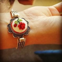 This bracelet is adorable!!! #kanaviçe