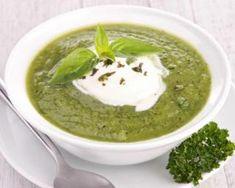 Soupe verte minceur de salade à la roquette et à la mâche : http://www.fourchette-et-bikini.fr/recettes/recettes-minceur/soupe-verte-minceur-de-salade-la-roquette-et-la-mache.html