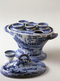 Egg stand, Spode factory, 1805–15, Staffordshire, England. Earthenware. 1980.119 A–I Museum purchase with funds provided by Special Funds for Collection Objects