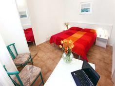 Un apartamento para dos en #Venecia, es un plan ideal para San Valentín Villas, Plans, Floor Chair, Flooring, Furniture, Home Decor, Romantic Getaways, Country Cottages, Venice