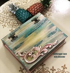 Book Crafts, Arts And Crafts, Cigar Box Crafts, Steampunk Book, Jewelry Box Makeover, Decoupage Box, Cool Art Projects, Shabby Chic Christmas, Altered Boxes