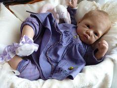 Et la petite Héléna, créée à partir du kit Héléna de Linda Murray. Cette adorable petite fille mesure 52 cm pour 2kg300