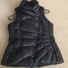 ❌Sold❌Lulemon atletica vest ✅ Black lulelemon vest.It can be worn on both sides.I'm selling it because it's kinda of heavy for Arizona weatherCondition is very good!Price is firm❗️No trades❗️ lululemon athletica Jackets & Coats Vests