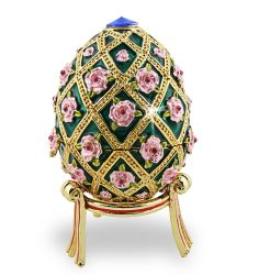 The Rose Trellis Faberge Egg is a jewelled enameled imperial Easter egg made in St. Petersburg, Russia in for Tsar Nicholas II of Russia. It was presented by Tsar Nicholas II to his wife, the Empress Alexandra Fyodorovna, on Easter (April Fabrege Eggs, Egg Styles, Faberge Jewelry, Egg Art, Objet D'art, Egg Decorating, Oeuvre D'art, Trinket Boxes, Vintage Style