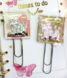 Handmade Paperclips for Planner - I could use my fuse tool! Paperclip Crafts, Paper Clip Art, Diy Bookmarks, Candy Cards, Pocket Letters, Trombone, Shaker Cards, Scrapbook Embellishments, Tampons