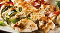 Desempolva tu asador y prepara unas deliciosas brochetas de #pollo con un marinado de #ajo y #limón