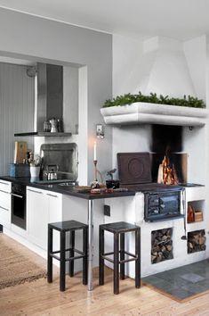 Wonderful 33 Rustic Scandinavian Kitchen Designs : 33 Rustic Scandinavian Kitchen Designs With White Kitchen Wall Island Sink Oven Stove Cabinet Fireplace Hook Chair Carpet And Hardwood Floor