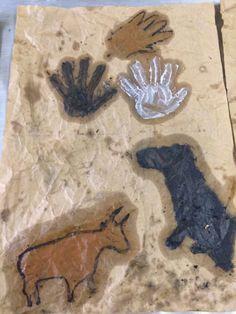 Pittura rupestre...classe 3a - MaestraMarta Stencil, Graffiti, Moose Art, Africa, Animals, Terra, School, Geography, Primitive
