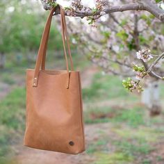 Leather Handbags | Basic Essentials - Part 2 Leather Handbags, Bucket Bag, Essentials, Summer, Fashion, Moda, Leather Totes, Fashion Styles, Pouch Bag