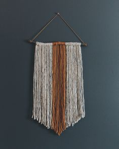 Easy DIY yarn wall hanging