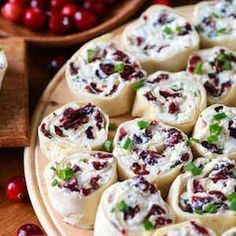 50 Festive Thanksgiving Appetizers Get your Thanksgiving. Thanksgiving Appetizers, Christmas Appetizers, Thanksgiving Recipes, Thanksgiving Prayer, Turkey Cheese Ball, Pinwheel Appetizers, Healthy Pinwheels, Pinwheel Sandwiches, Pinwheel Recipes