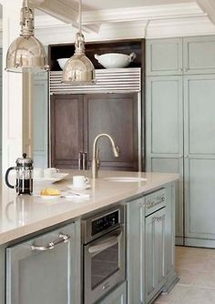 love the colors & style of this kitchen