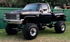 jeeps and trucks Gmc Trucks, Lifted Chevy Trucks, Chevrolet Trucks, Diesel Trucks, Cool Trucks, Pickup Trucks, Chevrolet Silverado, 87 Chevy Truck, Chevy Stepside