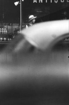 Saul Leiter     Hat, New York City     c.1952