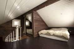 37 The Importance of Unique Bedroom Wooden Attic Ideas - thehomedecores Loft Room, Bedroom Loft, Bedroom Decor, Modern Bedroom, Bonus Room Decorating, Interior Decorating, Interior Design, Attic Bedroom Designs, Attic Bedrooms