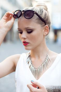 Bun, eyes, red lip and necklace... Love this look