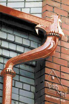 Unique gutters on metal roof Decorative Downspouts, Copper Work, Metal Work, Copper Gutters, Rain Barrel, Beautiful Mind, Outdoor Landscaping, Okapi, Architectural Elements