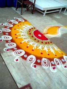 Easy Rangoli Designs Diwali, Colorful Rangoli Designs, Diwali Diy, Rangoli Ideas, Beautiful Rangoli Designs, Simple Rangoli, Sanskar Bharti Rangoli Designs, Diwali 2018, Diy Diwali Decorations