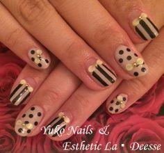Yuko Nails And Esthetic La Deesse ジェルネイルデザイン♪ (定額制:Diamond)フレンチ&ストライプやドット柄を合わせたゴージャスかつキュートなデザイン♪ Diamond Nails, Gel Nails, Beauty, Gel Nail, Beauty Illustration