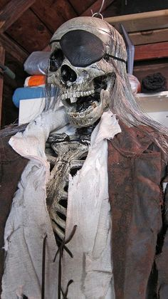 distressing clothes for pirate props, love the hair Pirate Halloween Party, Halloween Party Themes, Vintage Halloween Decorations, Halloween Haunted Houses, Halloween 2016, Halloween Ghosts, Halloween Crafts, Halloween Ideas, Pirate Skeleton