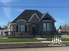 Creative Mines Craft Split Modular (Color: Bison) by RJ Stone in Cardston AB Kodiak Mountain Stone supplies manufactured stone veneer, natural stone, brick, thin brick and acrylic stucco products. Masonry Veneer, Manufactured Stone Veneer, Stone Gallery, Thin Brick, Bison, Home Builders, Custom Homes, Natural Stones, Luxury Homes