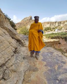 Mnich w Daniel Korkor, Tigray - Celina Lisek Flora And Fauna, People Of The World, Ethiopia, Wonders Of The World, Religion, Raincoat, Wanderlust, Branding, Tours