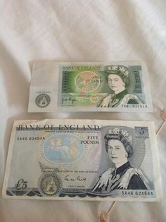 We called pound notes green backs . If u had one you felt like Charlie big potatoes 1980s Childhood, My Childhood Memories, Sweet Memories, 80s Kids, Thing 1, My Memory, The Good Old Days, Just In Case, The Past