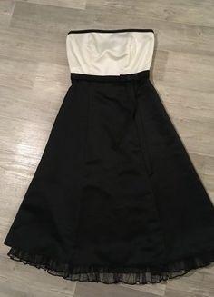 Kaufe meinen Artikel bei #Kleiderkreisel http://www.kleiderkreisel.de/damenmode/kleider-abendkleider/143738295-kleid-schwarz-weiss-mit-kleiner-schleife