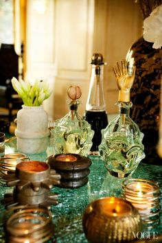 Eclectic Company: Kelly Wearstler Sets a Chic Table - Vogue Daily - Vogue